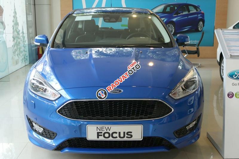 Bán xe ô tô Sài Gòn Ford Focus 1.5L Ecoboost Sport 5 cửa 2018, màu xanh, giá 749 triệu, chưa khuyến mãi-11