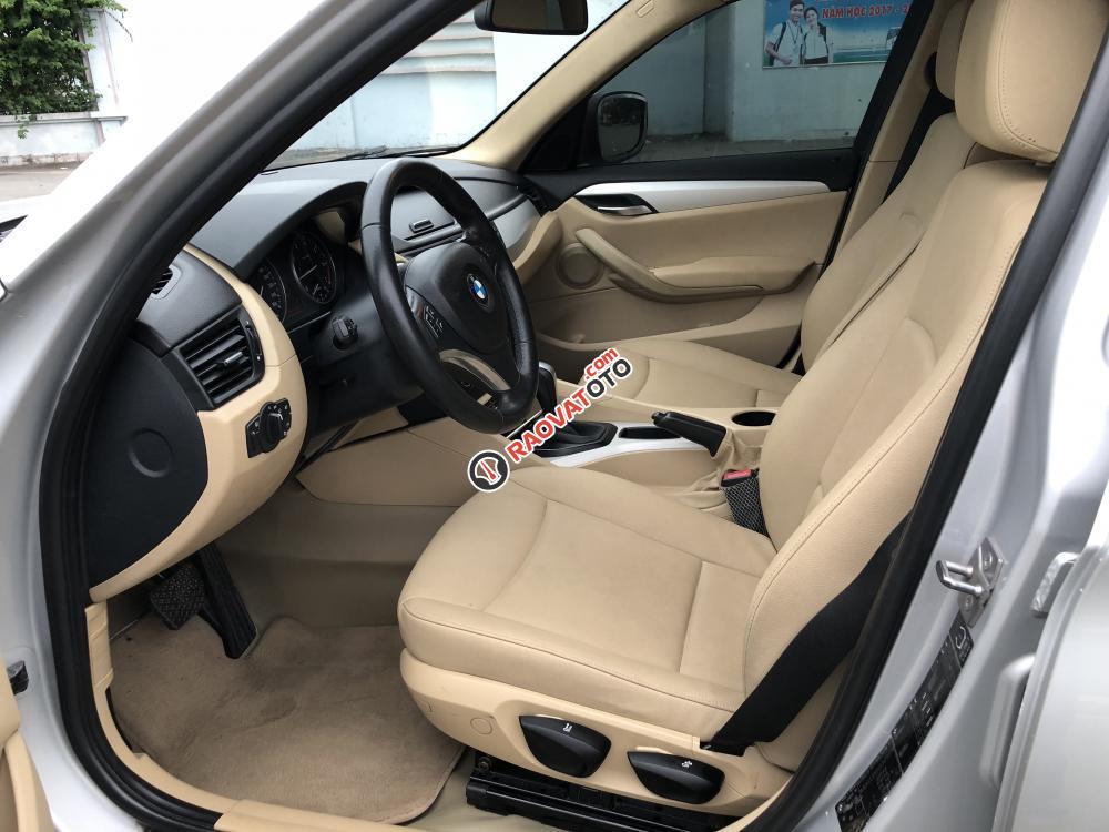 BMW X1 2011 form mới màu bạc, loại xe cao cấp, hàng full đủ đồ chơi-2