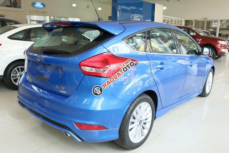 Bán xe ô tô Sài Gòn Ford Focus 1.5L Ecoboost Sport 5 cửa 2018, màu xanh, giá 749 triệu, chưa khuyến mãi-1