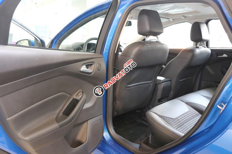 Bán xe ô tô Sài Gòn Ford Focus 1.5L Ecoboost Sport 5 cửa 2018, màu xanh, giá 749 triệu, chưa khuyến mãi-7