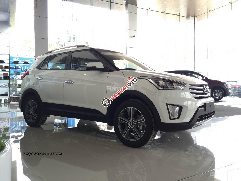 Bán Hyundai Creta mới đời 2018, màu trắng, nhập khẩu, giá chỉ 760 triệu, liên hệ: Ngọc Sơn: 0911.377.773-3