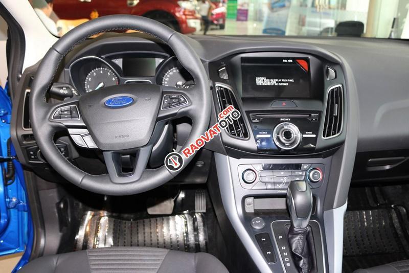 Bán xe ô tô Sài Gòn Ford Focus 1.5L Ecoboost Sport 5 cửa 2018, màu xanh, giá 749 triệu, chưa khuyến mãi-10