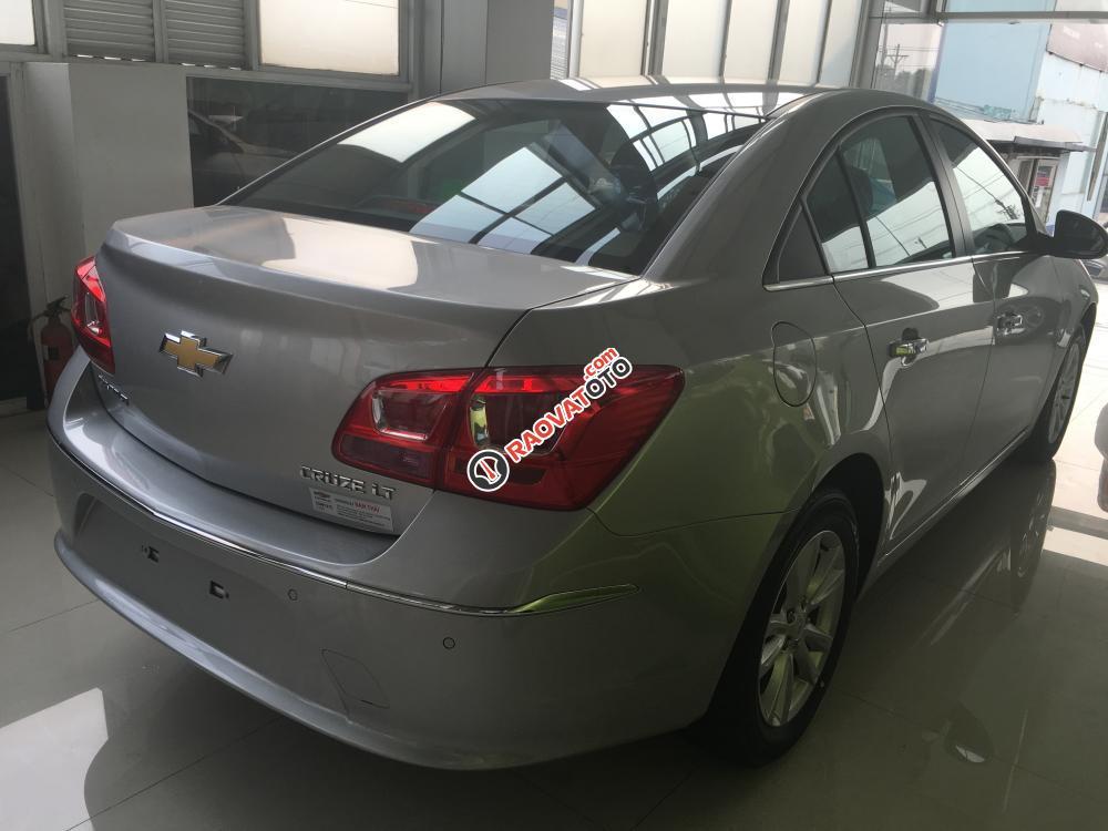Bán Chevrolet Cruze LT 2018, giá tốt nhất, có xe giao liền, hỗ trợ vay lãi suất thấp-9