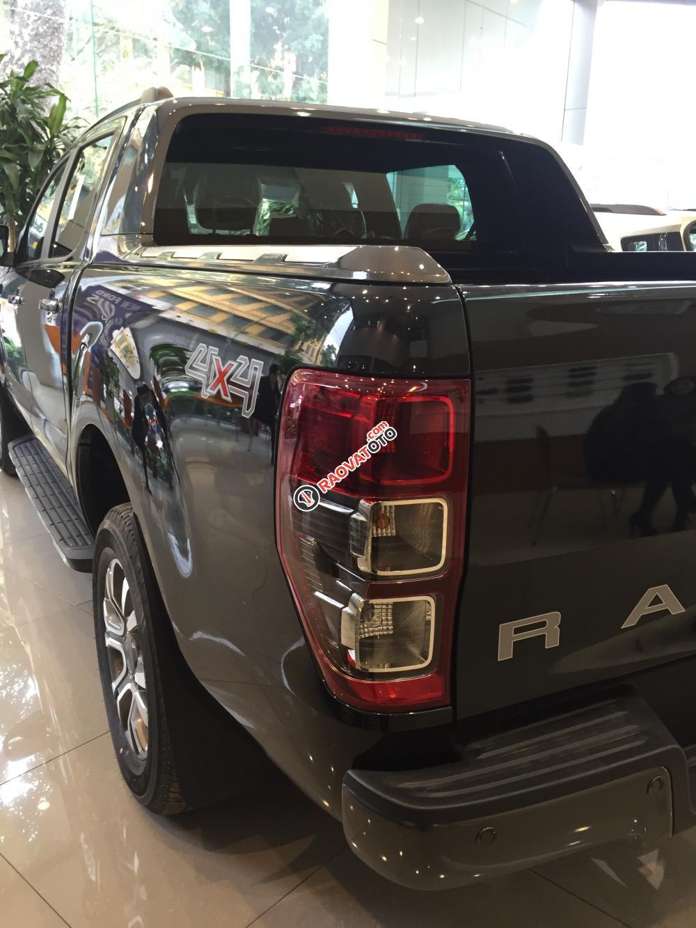 Bán Ford Ranger XLS MT mới 100% đen. Giá tốt, tặng thêm phụ kiện, hotline 0942552831-2