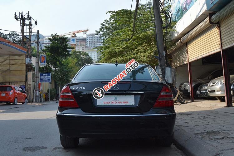 Bán ô tô Mercedes E280 đời 2005, màu đen - LH 0963271111-3