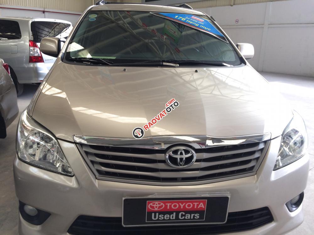 Bán Toyota Innova 2.0G AT sản xuất 2012, màu nâu vàng siêu đẹp-2