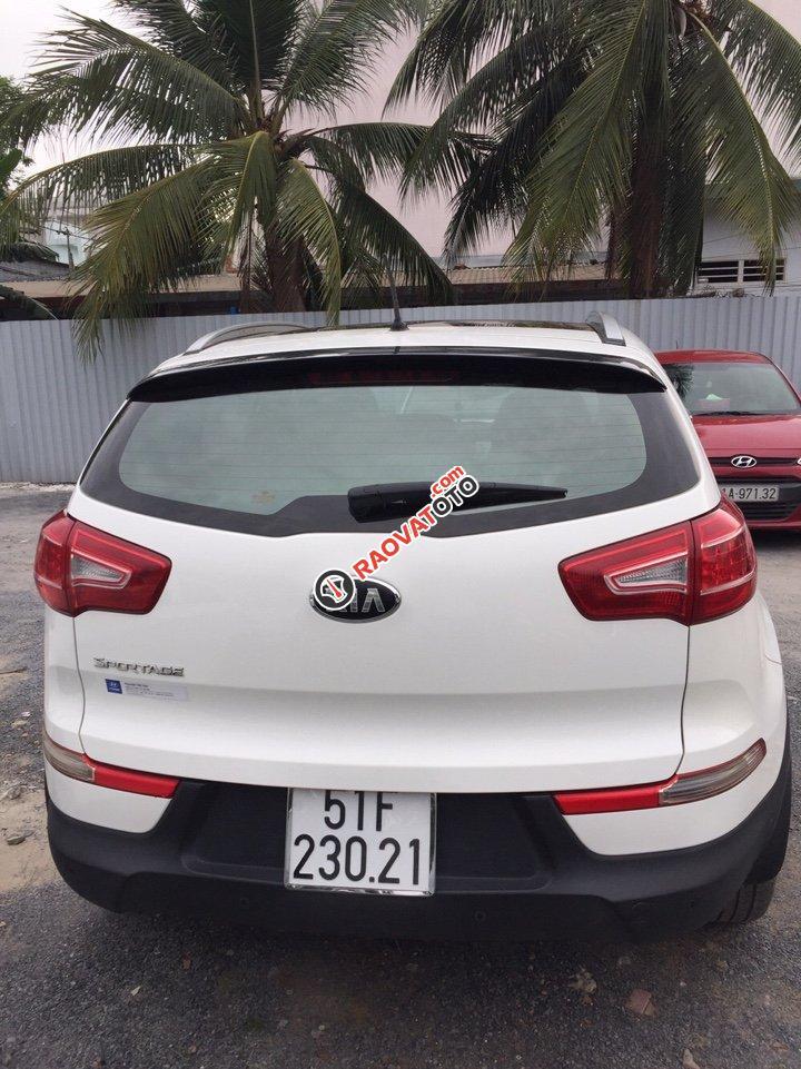 Bán Kia Sportage 2.0AT màu trắng, số tự động, nhập HQ 2013, biển Sài Gòn-3
