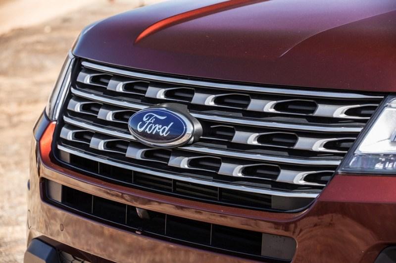 Bán xe Ford Explorer đời 2017, màu đỏ, nhập khẩu nguyên chiếc-2