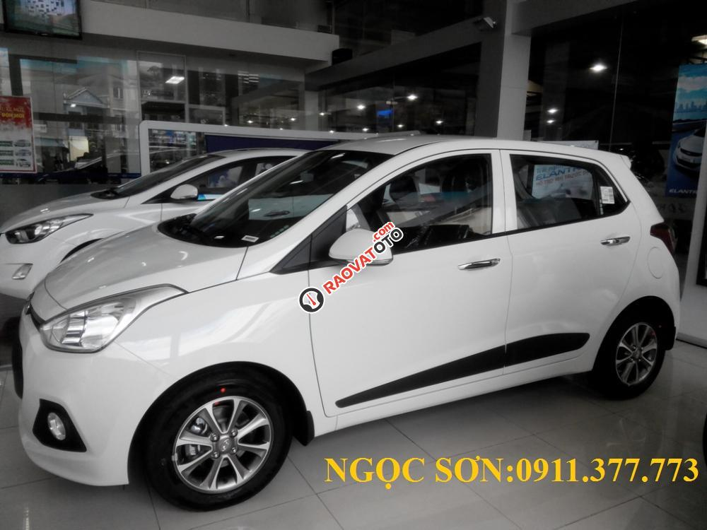 Cần bán xe Hyundai Grand i10 mới, màu trắng - LH Ngọc Sơn: 0911.377.773-15