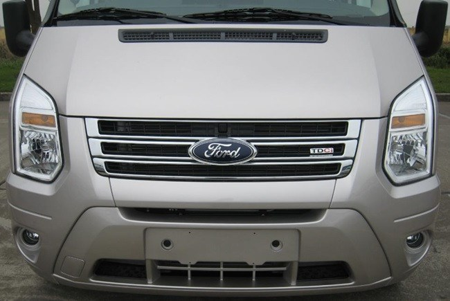 Bán ô tô Ford Transit 2.4L MT Medium đời 2017, nhập khẩu -7