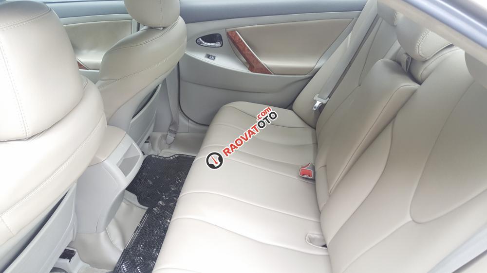 Xe Toyota Camry LE nhập Mỹ 2010 màu vàng cát-5