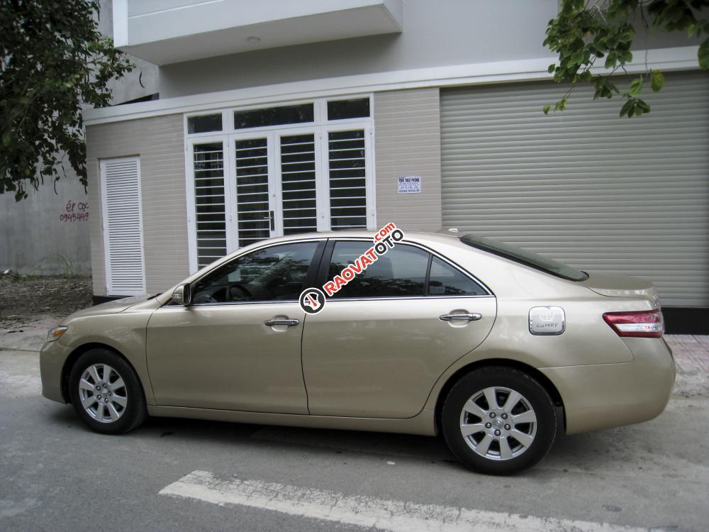 Xe Toyota Camry LE nhập Mỹ 2010 màu vàng cát-2