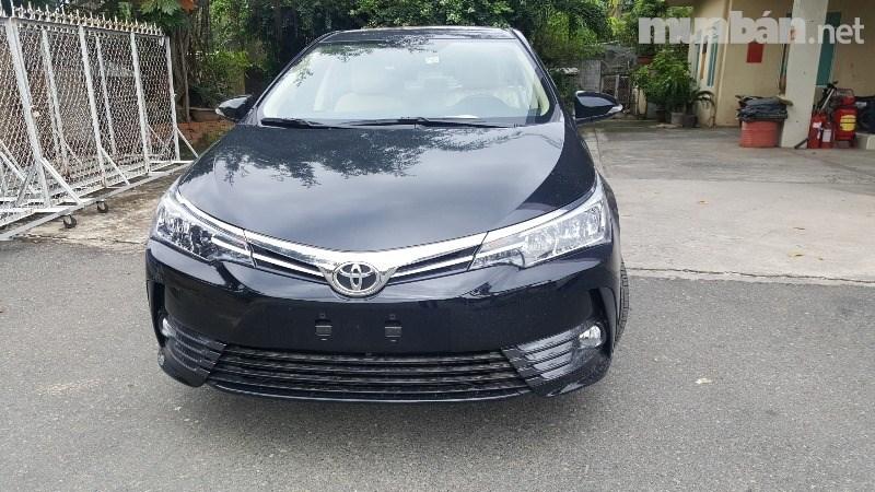 Bán xe Toyota Corolla altis đời 2017, màu đen, nhập khẩu-0
