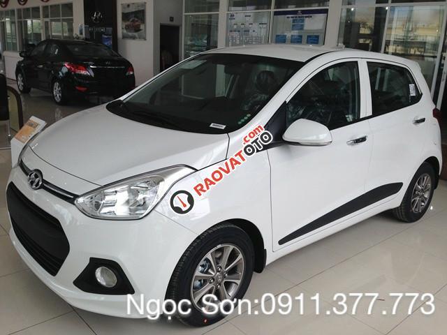 Cần bán xe Hyundai Grand i10 mới, màu trắng - LH Ngọc Sơn: 0911.377.773-2