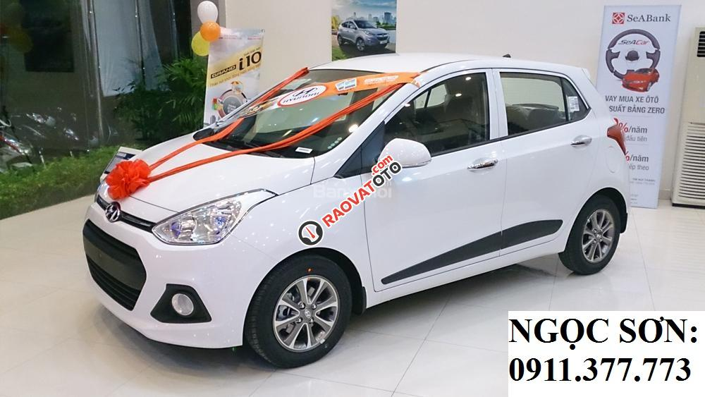 Cần bán xe Hyundai Grand i10 mới, màu trắng - LH Ngọc Sơn: 0911.377.773-21