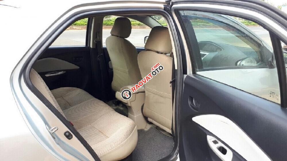 Cần bán Toyota Vios 2010, xe gia đình sử dụng Zin-4