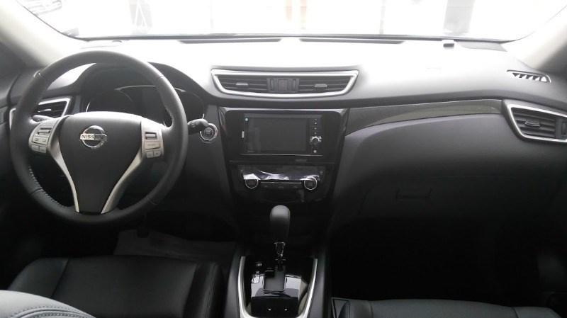 Bán xe Nissan X trail đời 2017, màu đen, xe nhập-10
