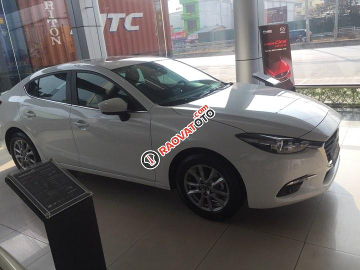 Bán ô tô Mazda 3 1.5AT Sedan đời, màu trắng, nhanh tay - liên hệ để được nhiều ưu đãi-1
