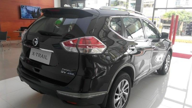 Bán xe Nissan X trail đời 2017, màu đen, xe nhập-5