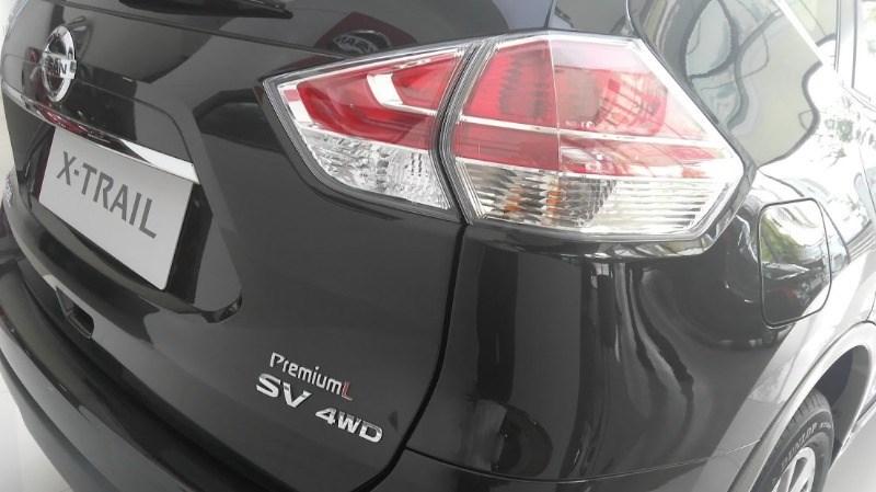 Bán xe Nissan X trail đời 2017, màu đen, nhập khẩu nguyên chiếc-6