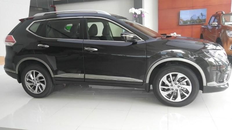 Bán ô tô Nissan X trail năm 2017, màu đen, nhập khẩu nguyên chiếc-3