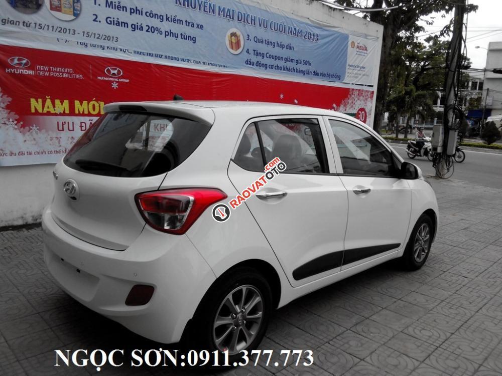 Cần bán xe Hyundai Grand i10 mới, màu trắng - LH Ngọc Sơn: 0911.377.773-9