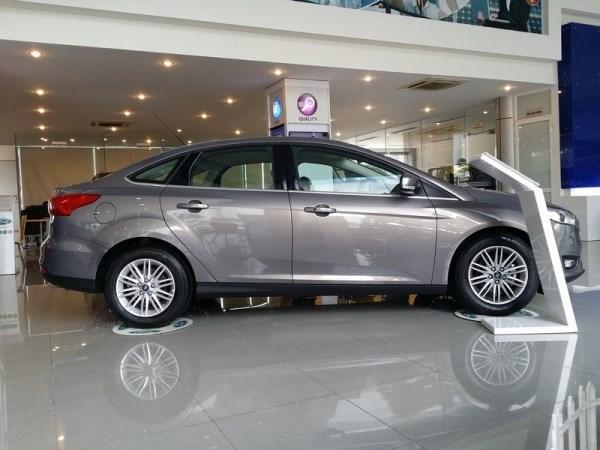 Bán ô tô Ford Focus sản xuất 2017, xe nhập, giá chỉ 600 triệu-3