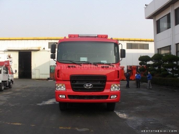 Bán Hyundai HD đời 2017, màu đỏ, nhập khẩu nguyên chiếc-2