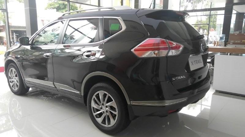 Bán xe Nissan X trail đời 2017, màu đen, nhập khẩu nguyên chiếc-4