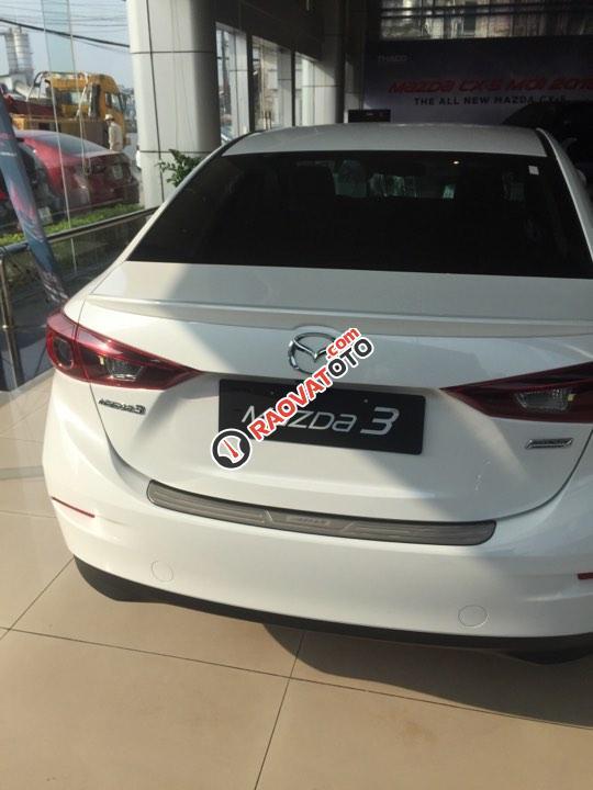Bán ô tô Mazda 3 1.5AT Sedan đời, màu trắng, nhanh tay - liên hệ để được nhiều ưu đãi-4