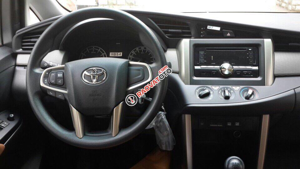 Bán Toyota Innova model 2018 chính hãng-4