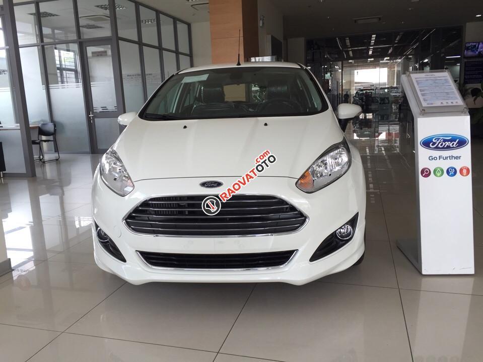 Bán Ford Fiesta 1.0 Ecoboost 2017 mầu trắng, cam kết giá tốt nhất. LH 0933523838-4