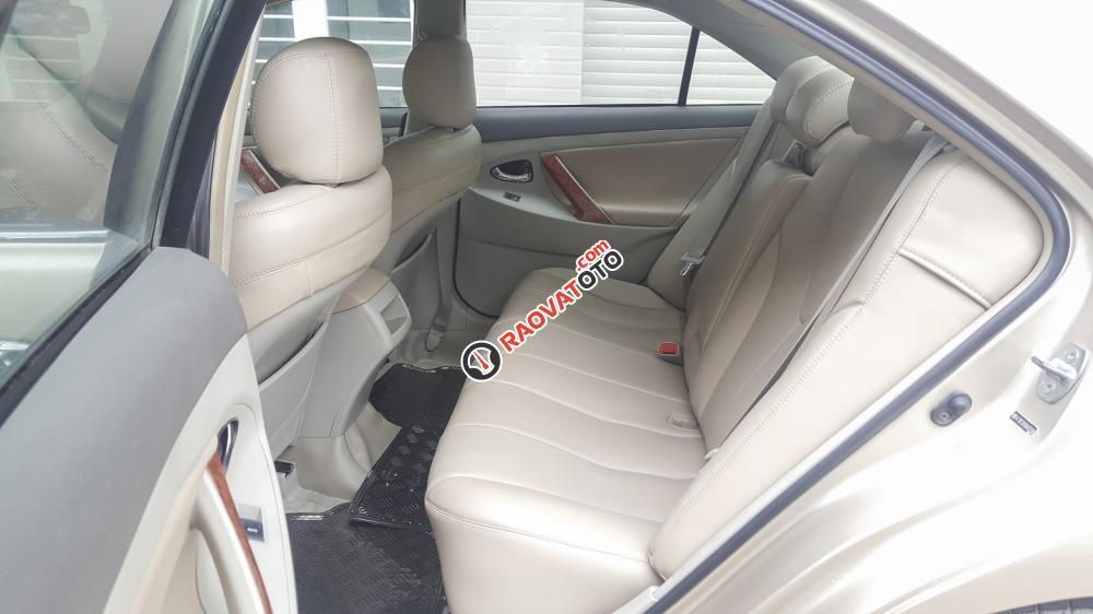 Xe Toyota Camry LE nhập Mỹ 2010 màu vàng cát-6