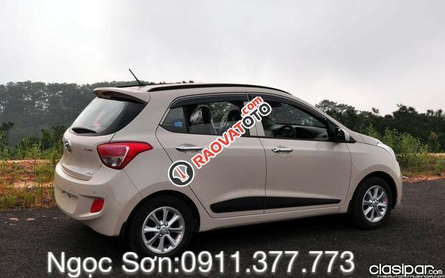 Cần bán xe Hyundai Grand i10 mới, màu trắng, liên hệ Ngọc Sơn: 0911.377.773-2