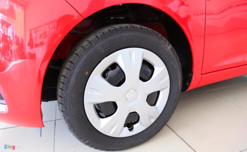 Bán xe Chevrolet Spark đời 2017, màu đỏ, nhập khẩu nguyên chiếc-4