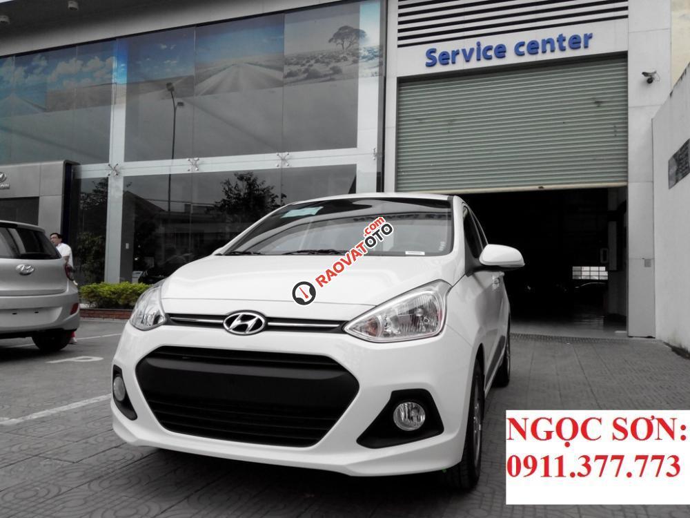 Cần bán xe Hyundai Grand i10 mới, màu trắng - LH Ngọc Sơn: 0911.377.773-5