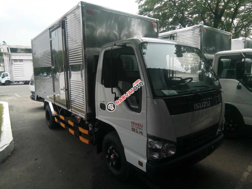 Isuzu 2050kg, thùng kín chính hãng, tiêu chuẩn khí thải Euro4-2