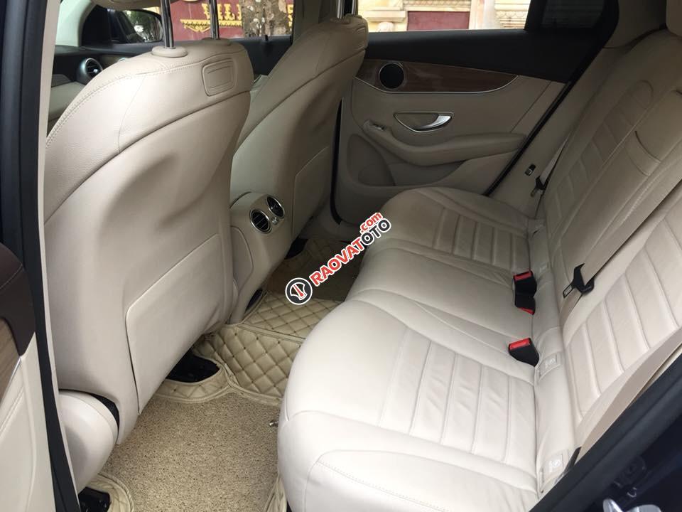 Bán Mercedes GLC250 đời 2016 màu xanh đen, bản full options-6