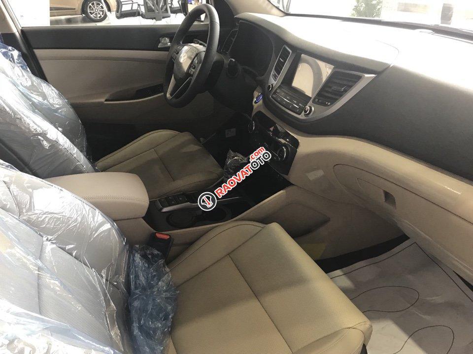 Hyundai Tucson 1.6AT Turbo đỏ giao ngay chỉ có tại Hyundai Kinh Dương Vương lại còn tặng thêm BHVC 1 năm-8