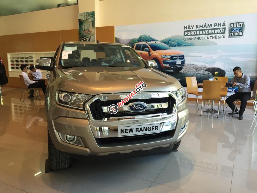 Cần bán xe Ford Ranger XLT 4x4 MT đời 2017, màu ghi vàng, nhập khẩu, hỗ trợ trả góp hơn 80%-1
