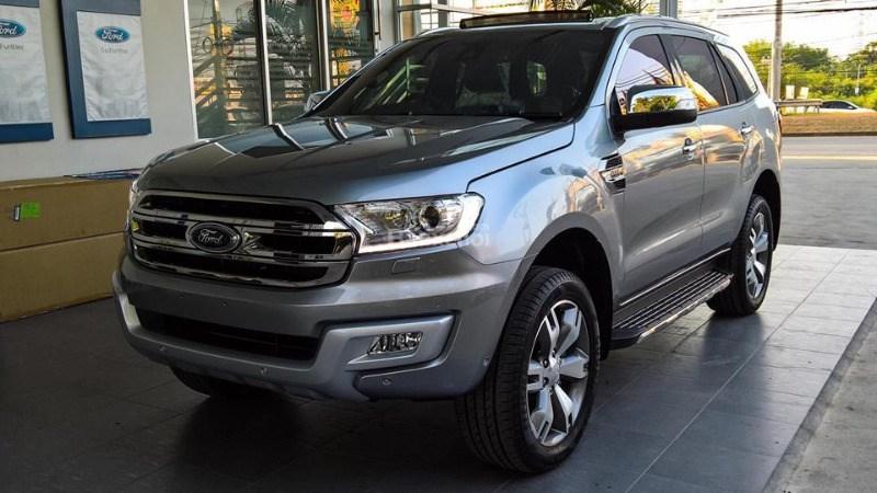 Bán Ford Everest đời 2017, màu bạc, nhập khẩu chính hãng-1
