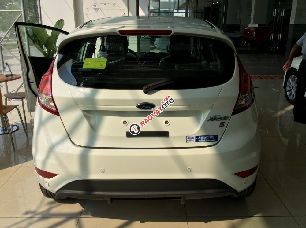 Bán Ford Fiesta giá cạnh tranh, tặng phụ kiện, giao xe ngay, hỗ trợ 80% NH-5