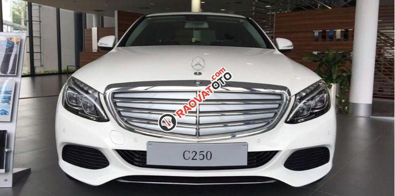 Bán xe Mercedes benz C250 2016, màu trắng, nội thất kem. Chỉ với 360 triệu rinh xe về ngay-3