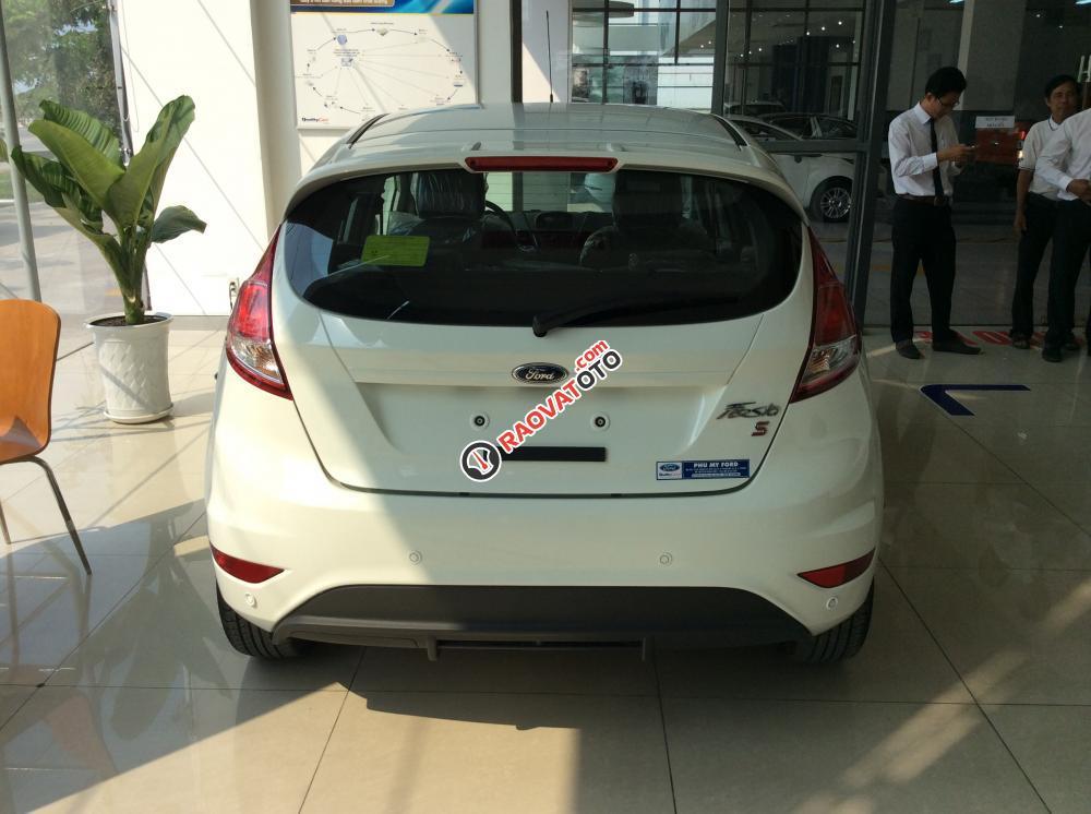 Bán Ford Fiesta giá cạnh tranh, tặng phụ kiện, giao xe ngay, hỗ trợ 80% NH-2
