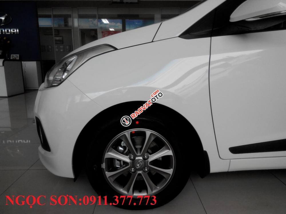 Cần bán xe Hyundai Grand i10 mới, màu trắng - LH Ngọc Sơn: 0911.377.773-18