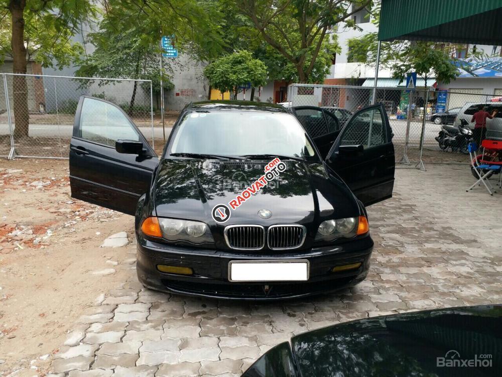 Cần bán xe BMW 323i đời 2000 màu đen, 135 triệu nhập khẩu-0
