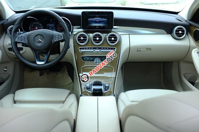 Cần bán Mercedes C250 Exclusive đời 2016, màu trắng - Thanh toán 500 triệu rinh xe về ngay-11