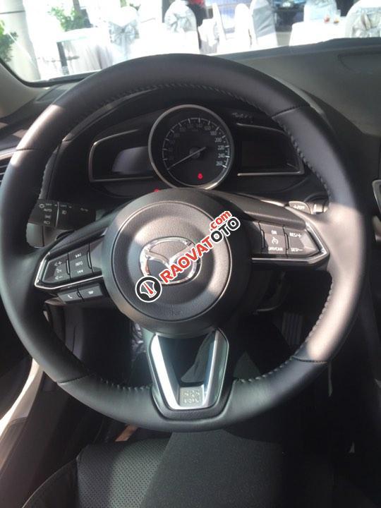 Bán ô tô Mazda 3 1.5AT Sedan đời, màu trắng, nhanh tay - liên hệ để được nhiều ưu đãi-2