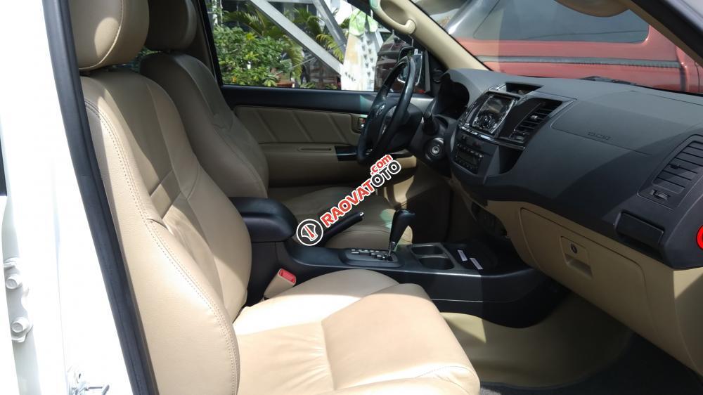 Bán xe Toyota Fortuner đời 2013 AT, màu bạc, 709 tr, 66.000 km, BH 1 năm-4
