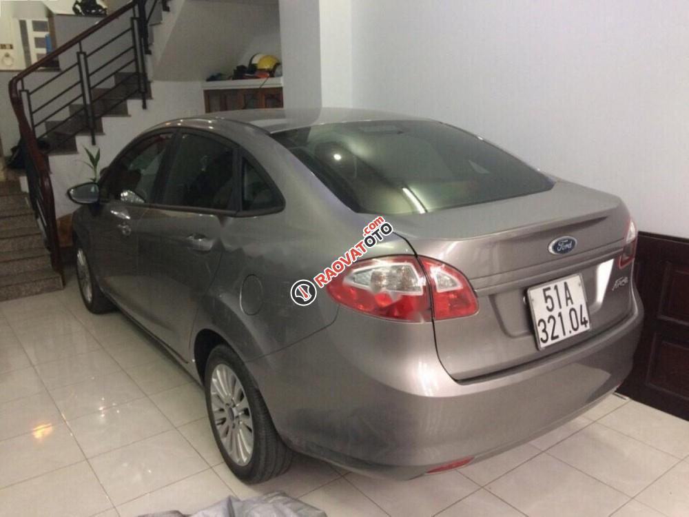 Bán Ford Fiesta đời 2011, màu bạc chính chủ, giá tốt-3